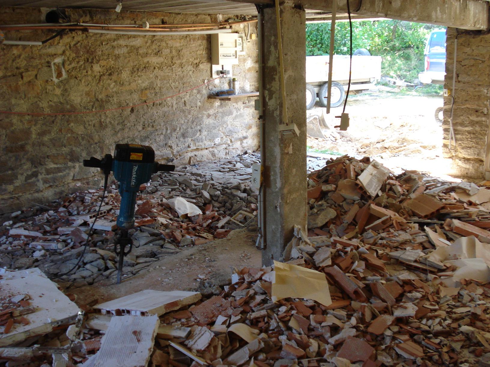 Gros Oeuvre Quimper démolisseur situé à quimper 29000